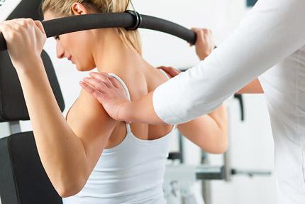 Unsere ausgebildeten Trainer arbeiten mit Ihnen und betreuen Sie bei ihrem persönlichen Fitnessprogramm